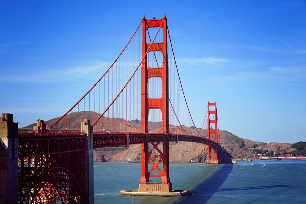 Golden Gate Bridge aufebenholz